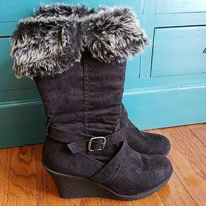 XOXO Olivia wedge boots 8.5